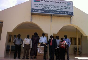 © 2014 AU-IBAR. Handing –over syndromic manuals to veterinary staff engaged in country activities in South Sudan.